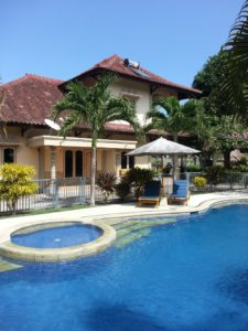 Sari Inn - 4 Bedroom House and Main Pool